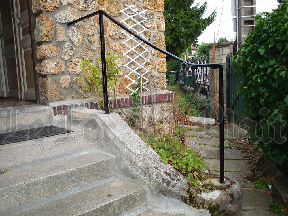 Le Fer Plait ferronnier à eaubonne dans la val D'oise 95 Main courante pour aidé monter ou descendre des escaliers intérieur ou extérieur.